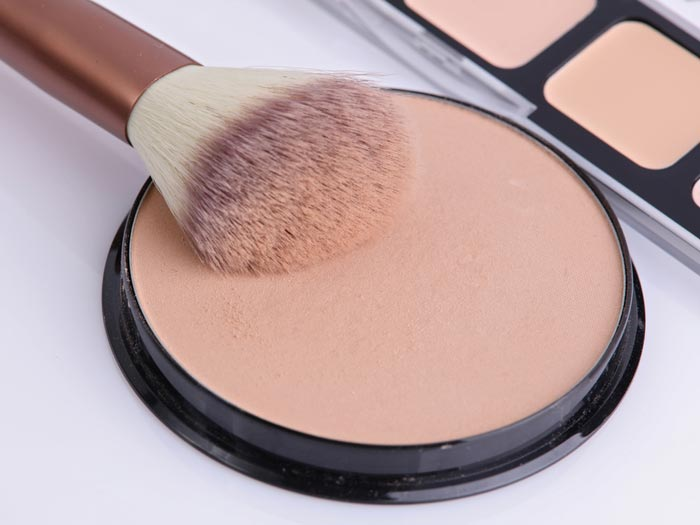 benefits of using compact powder