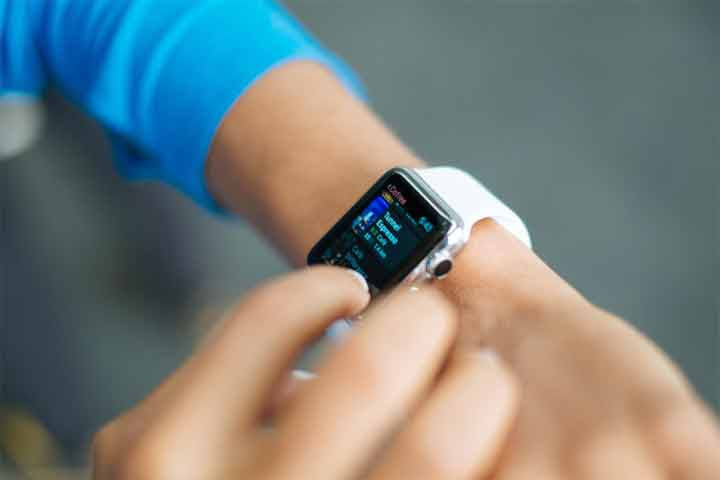 How does a Smartwatch Measure Blood Pressure