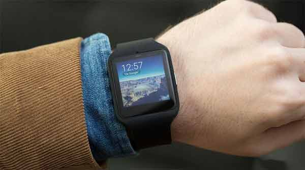 Bluetooth enabled Smart Watch- Switch between Modes of Functioning