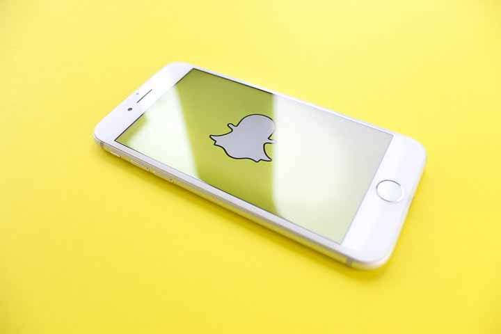 How to Track a Snapchat Account